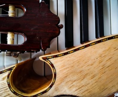 "Clases de Guitarra (Clase #16) – ""Romance del campesino"", de Roberto Cole"